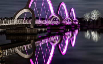 Sölvesborg Bridge niesamowite iluminacje na szwedzkim moście.